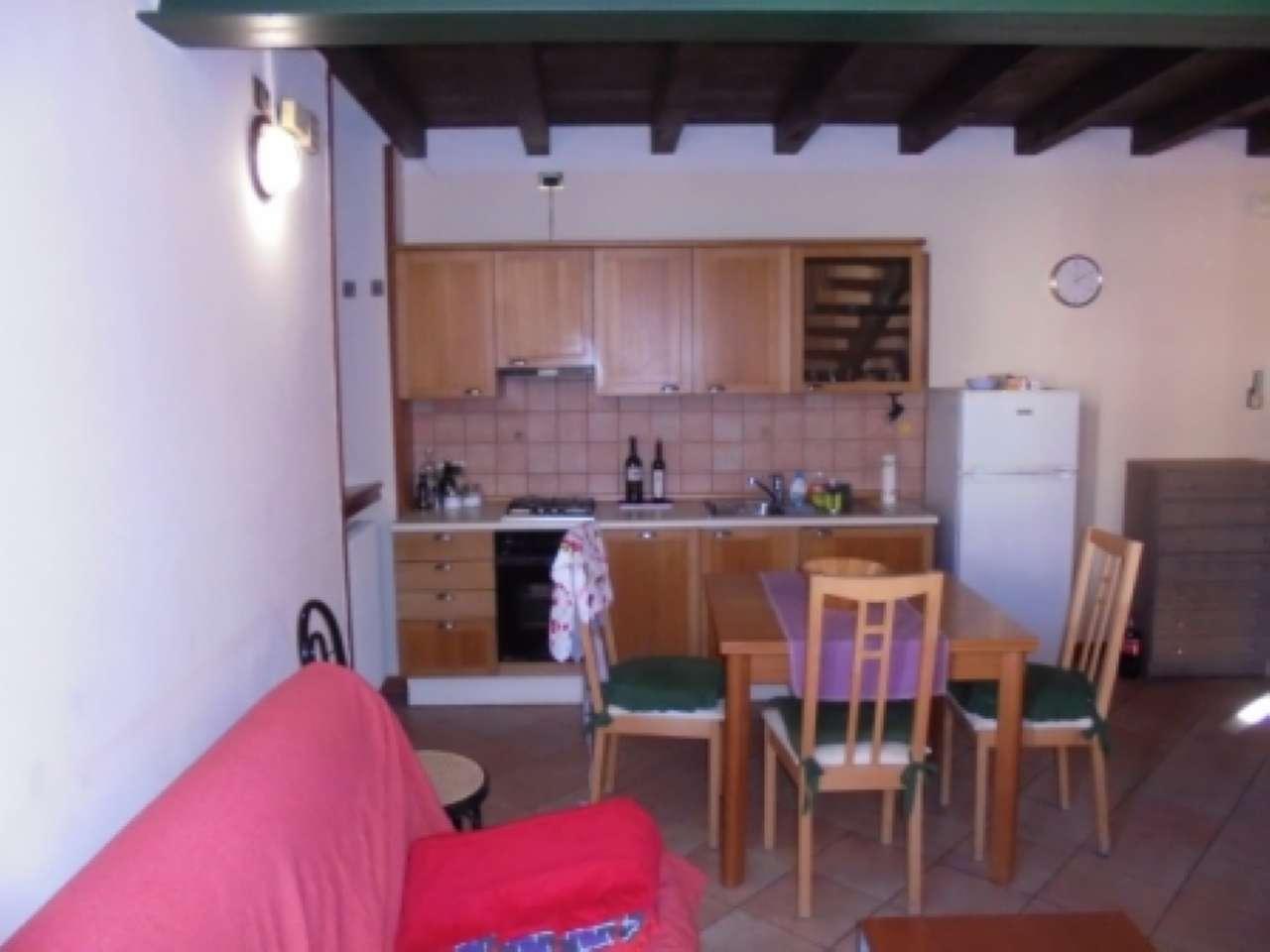 Appartamento in affitto a Desenzano del Garda, 2 locali, prezzo € 1.500 | Cambio Casa.it