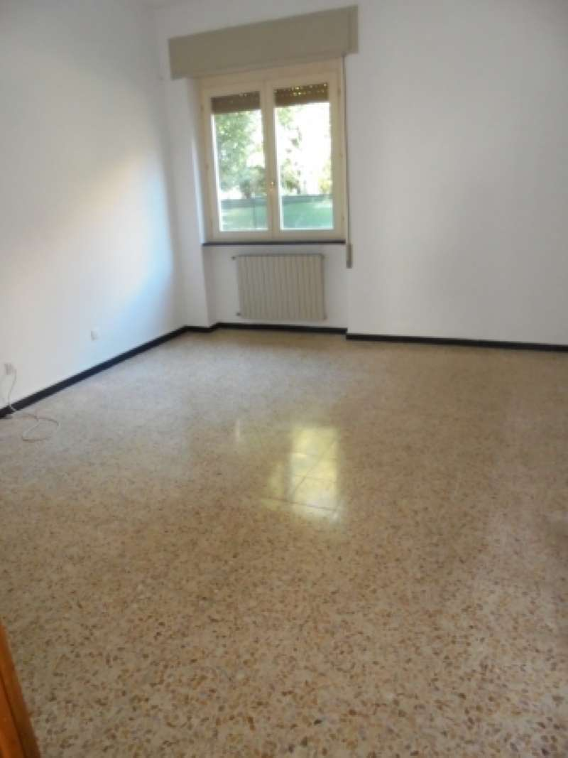 Appartamento in affitto a Lonato, 3 locali, prezzo € 400 | Cambio Casa.it