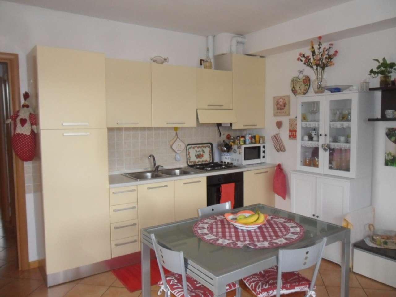 Appartamento in affitto a Lonato, 3 locali, prezzo € 550   Cambio Casa.it