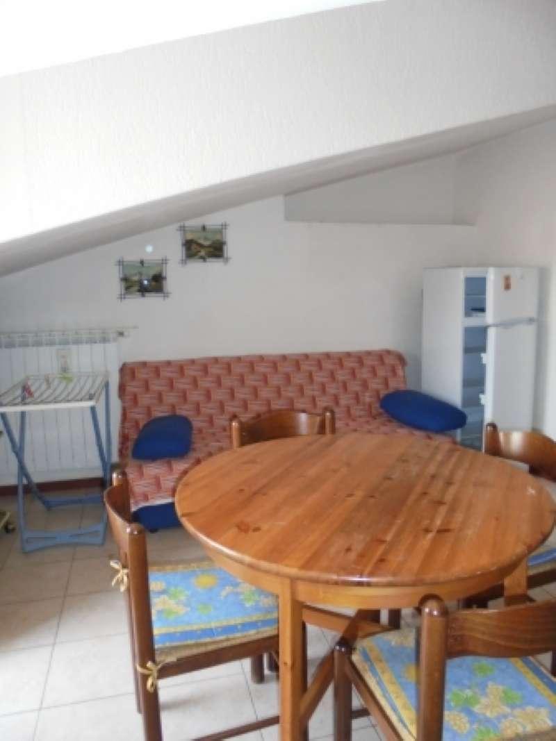 Appartamento in Affitto a Padenghe sul Garda