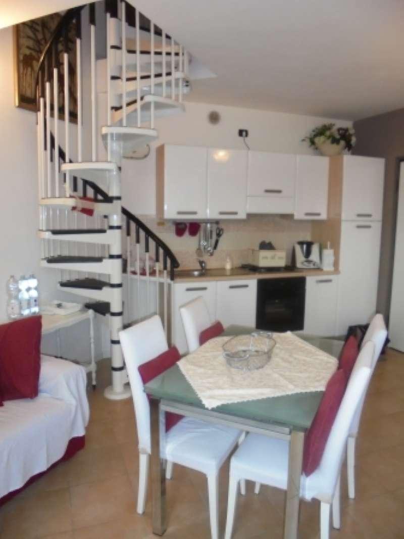 Appartamento in affitto a Puegnago sul Garda, 3 locali, prezzo € 500 | CambioCasa.it