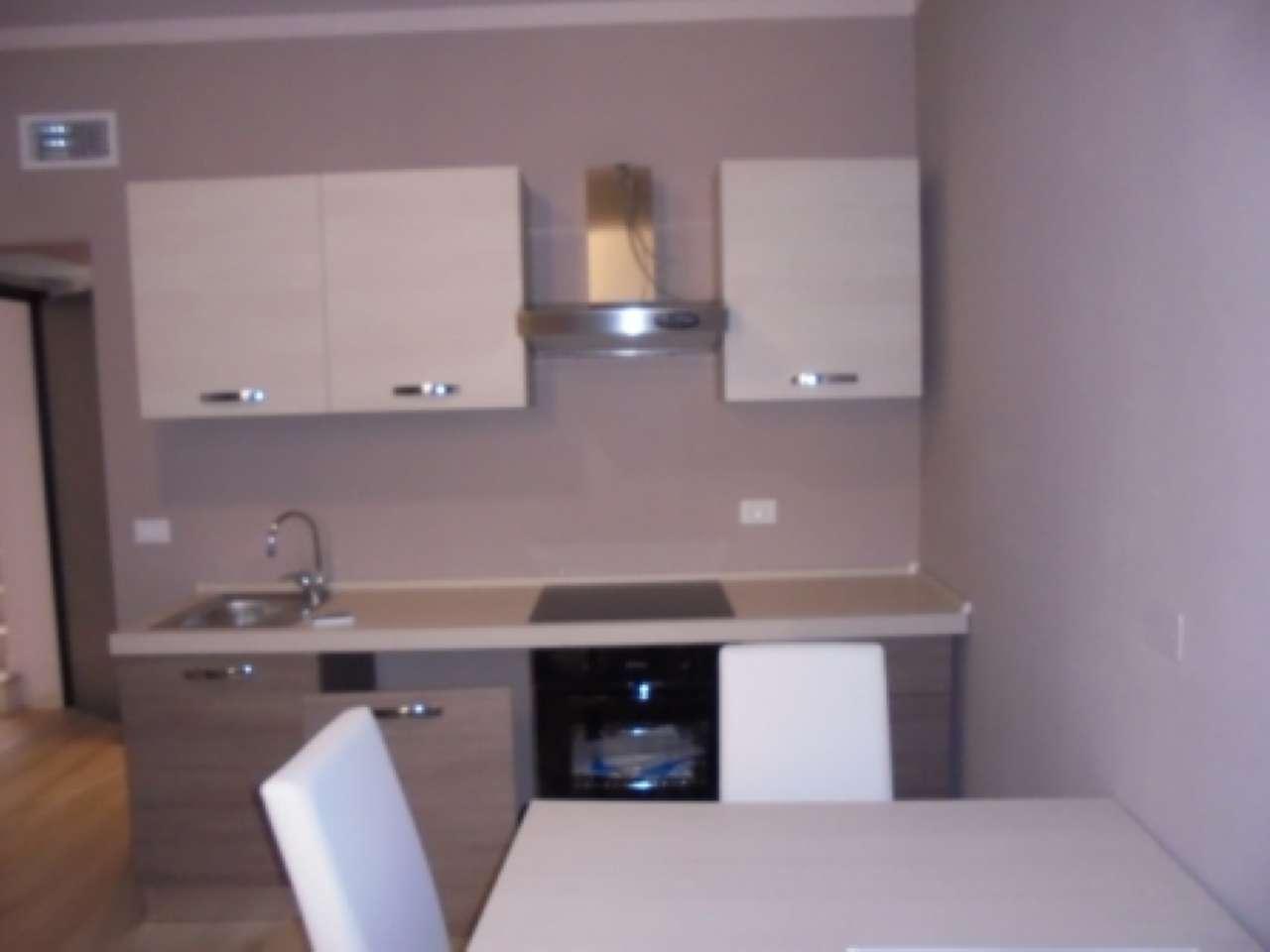 Appartamento in affitto a Desenzano del Garda, 2 locali, prezzo € 600 | Cambio Casa.it