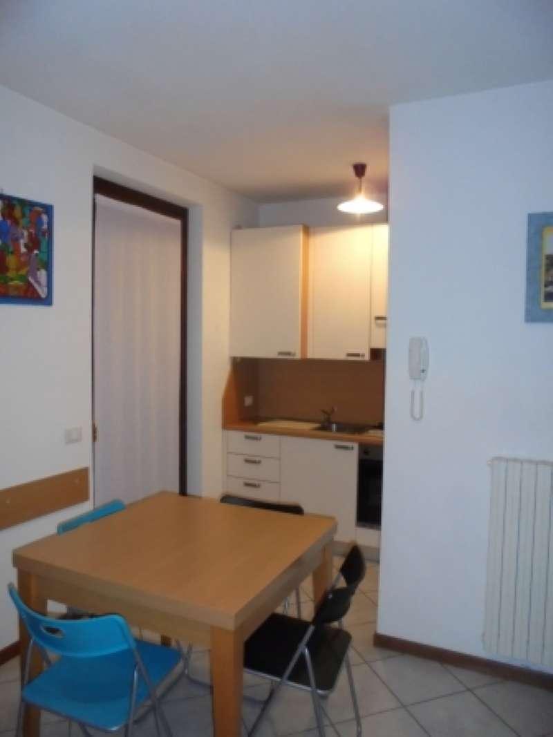 Appartamento in affitto a Moniga del Garda, 3 locali, prezzo € 500   CambioCasa.it