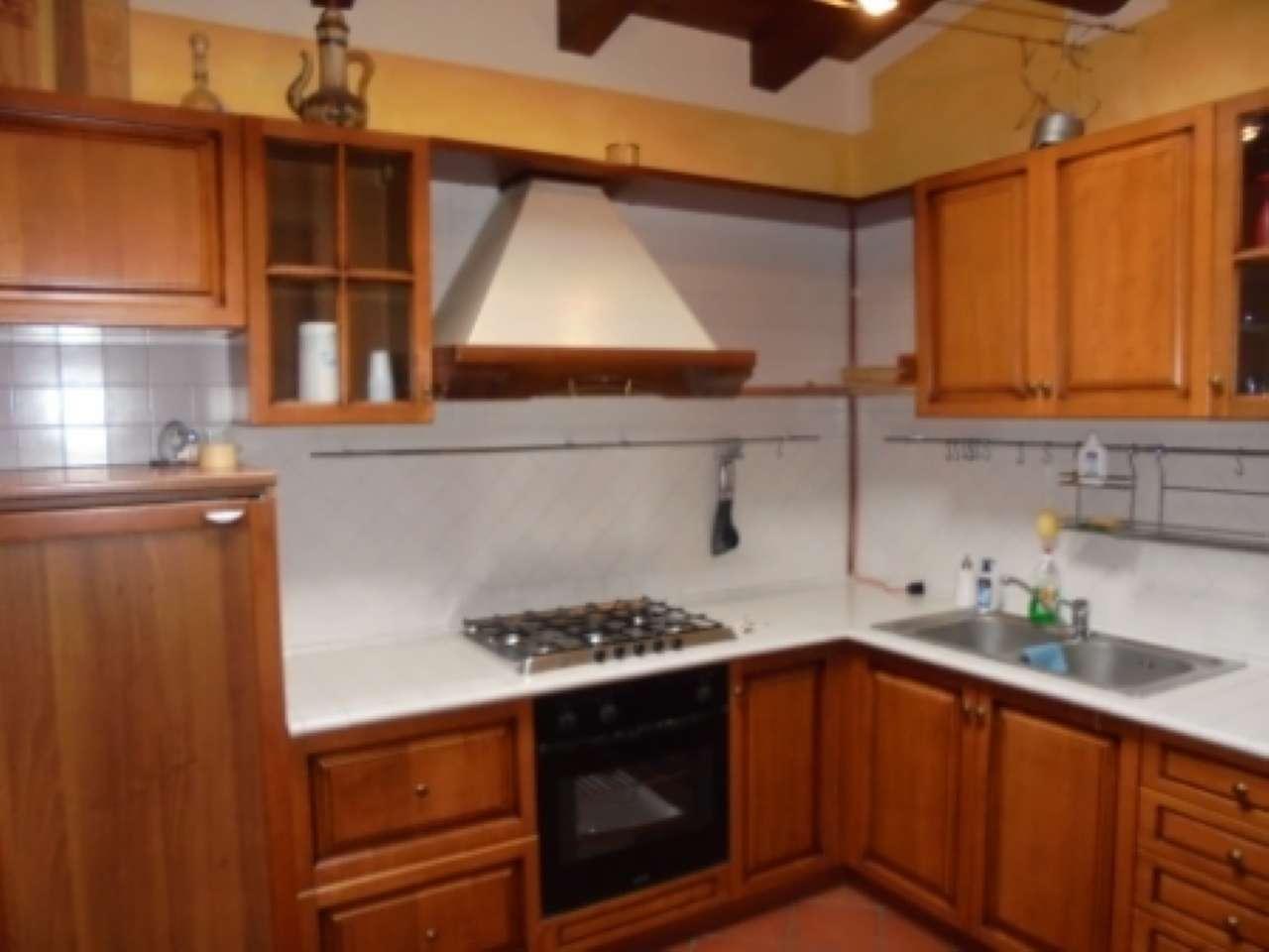 Appartamento in affitto a Manerba del Garda, 3 locali, prezzo € 600 | CambioCasa.it