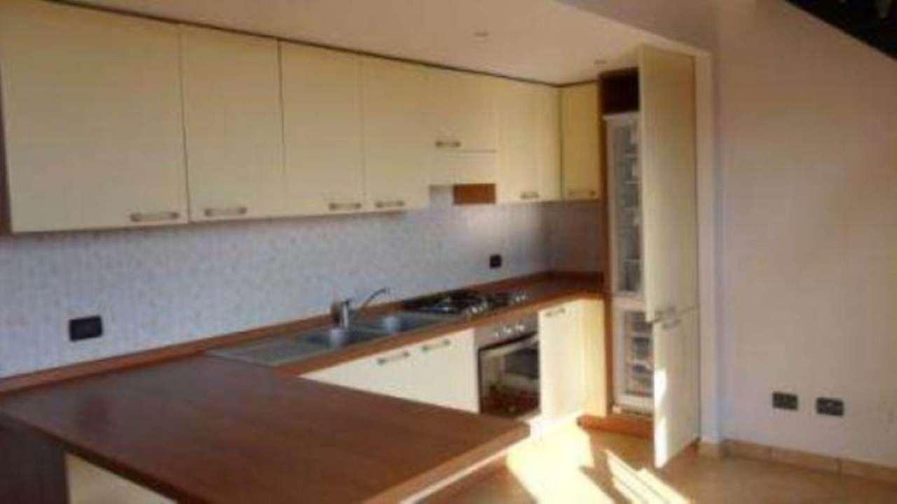Appartamento in affitto a San Felice del Benaco, 2 locali, prezzo € 480 | Cambio Casa.it