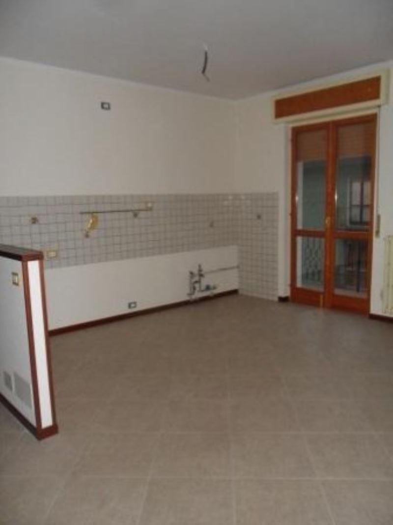Appartamento in affitto a Lonato, 3 locali, prezzo € 600 | Cambio Casa.it