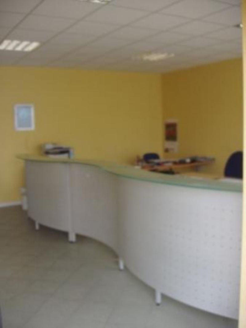 Ufficio / Studio in affitto a Manerba del Garda, 9999 locali, prezzo € 450 | Cambio Casa.it