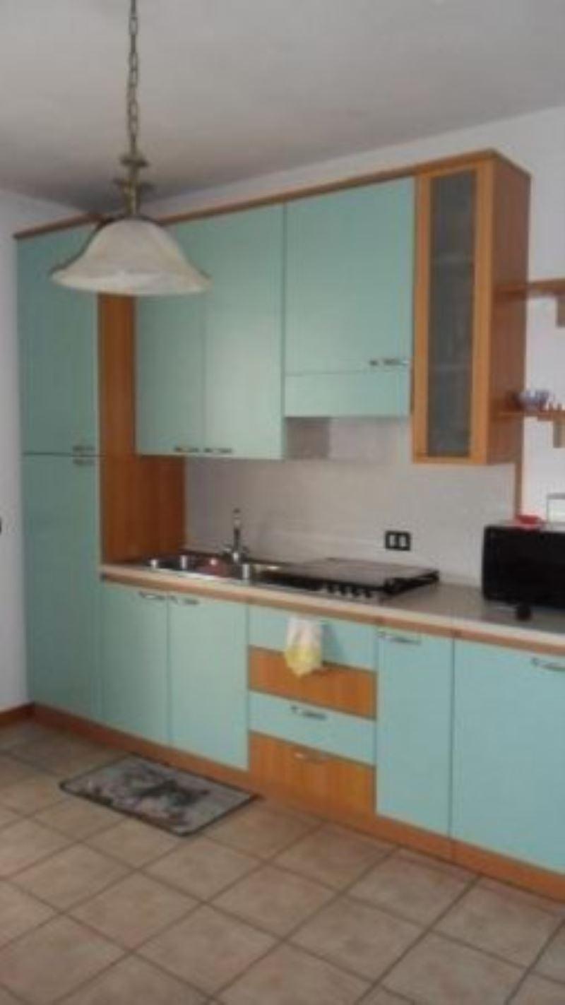 Appartamento in affitto a Sirmione, 2 locali, prezzo € 800 | Cambio Casa.it