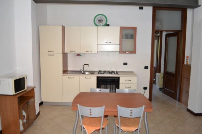 Appartamento in affitto a Lonato, 2 locali, prezzo € 400 | Cambio Casa.it