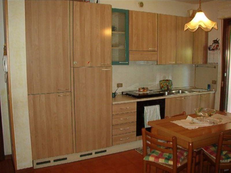 Appartamento in affitto a Sirmione, 2 locali, prezzo € 430 | Cambio Casa.it