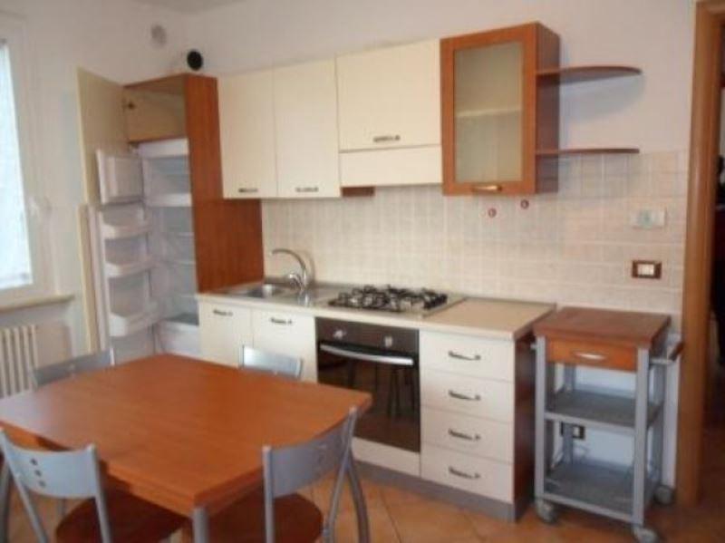 Appartamento in affitto a Lonato, 2 locali, prezzo € 480   Cambio Casa.it