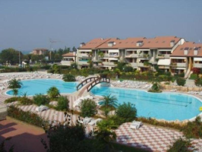 Appartamento in affitto a Desenzano del Garda, 3 locali, prezzo € 475 | CambioCasa.it