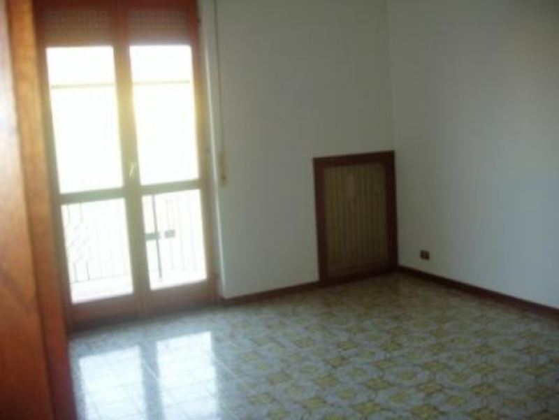 Appartamento in affitto a Lonato, 3 locali, prezzo € 500 | Cambio Casa.it