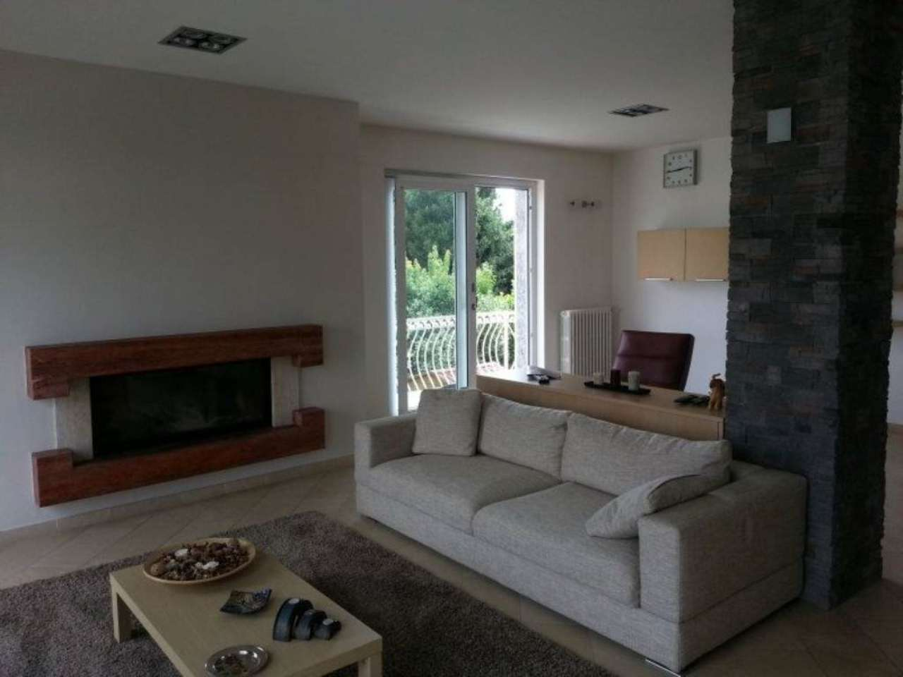 Appartamento in vendita a Lurate Caccivio, 4 locali, prezzo € 268.000   Cambio Casa.it