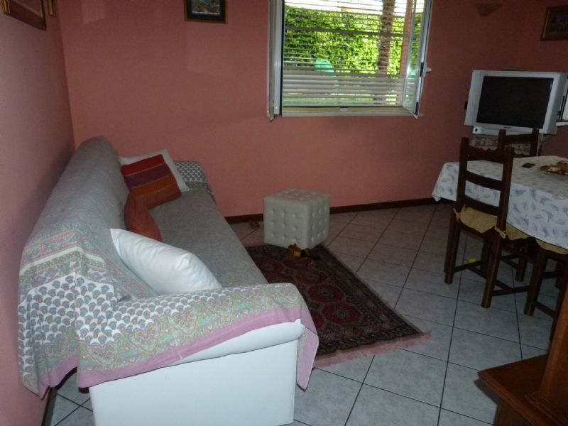 Appartamento in vendita a Cavallasca, 4 locali, prezzo € 110.000 | Cambio Casa.it