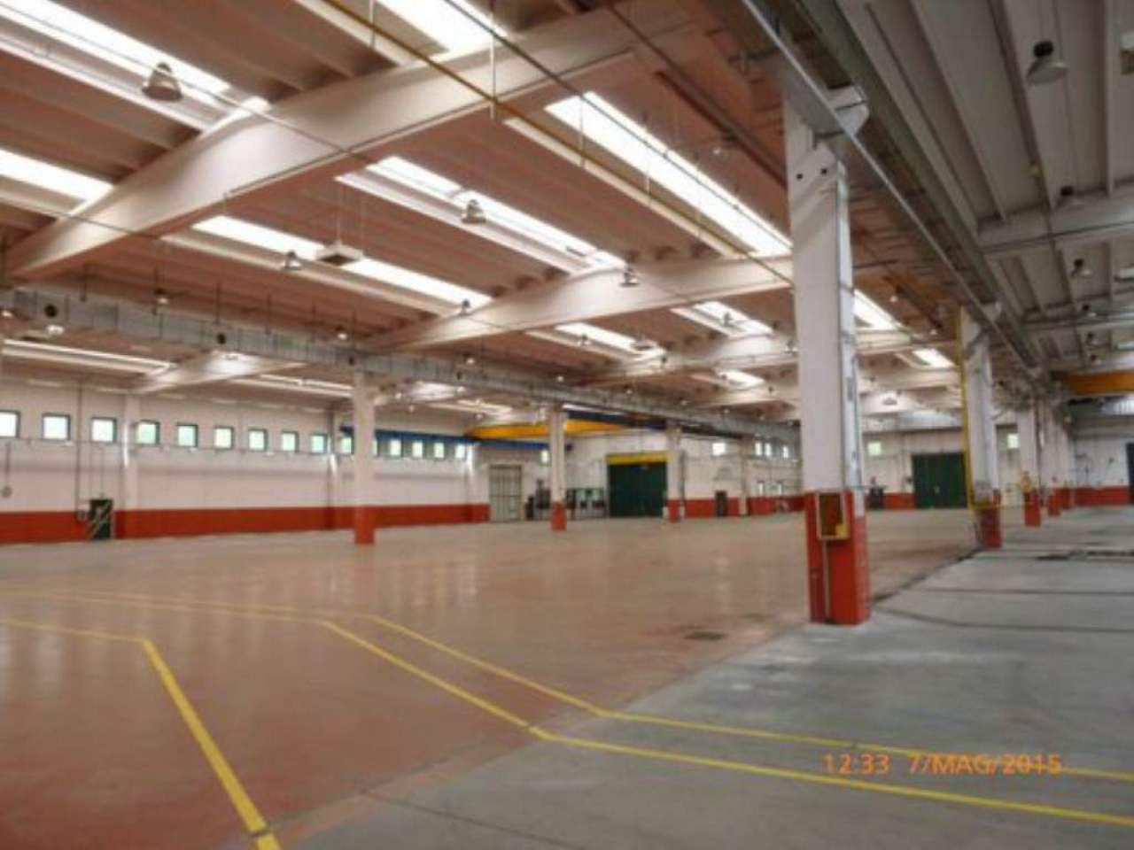 Capannone in vendita a Olgiate Comasco, 20 locali, Trattative riservate | Cambio Casa.it