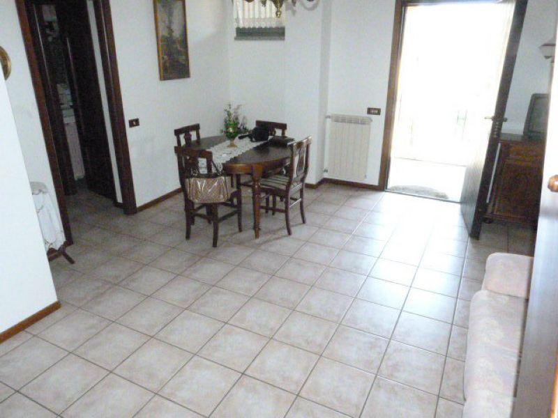 Appartamento in vendita a Guanzate, 2 locali, prezzo € 107.000 | Cambio Casa.it