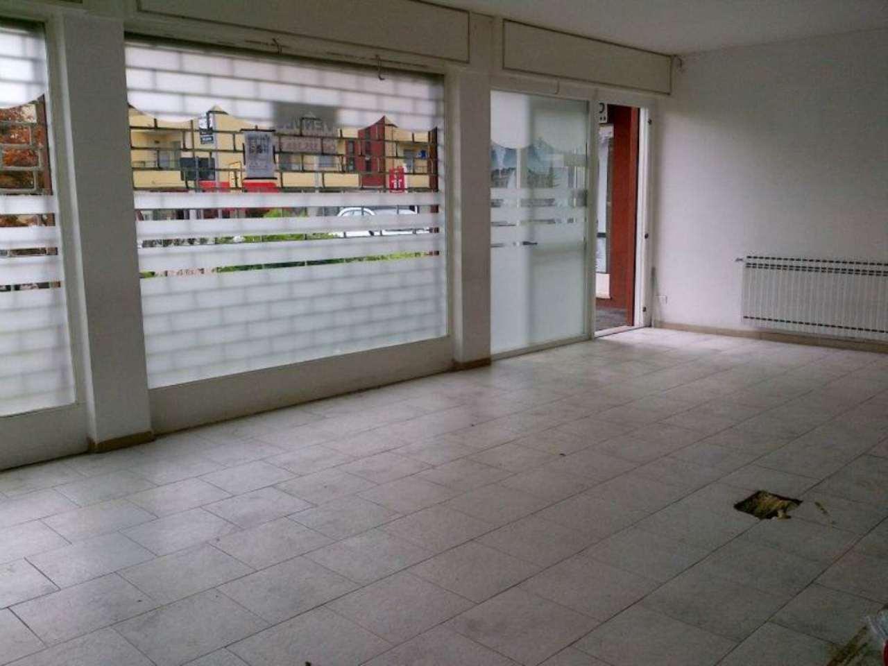 Negozio / Locale in vendita a Villa Guardia, 1 locali, prezzo € 160.000 | CambioCasa.it