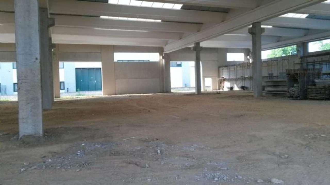 Capannone in vendita a Malnate, 10 locali, prezzo € 1.000.000 | Cambio Casa.it