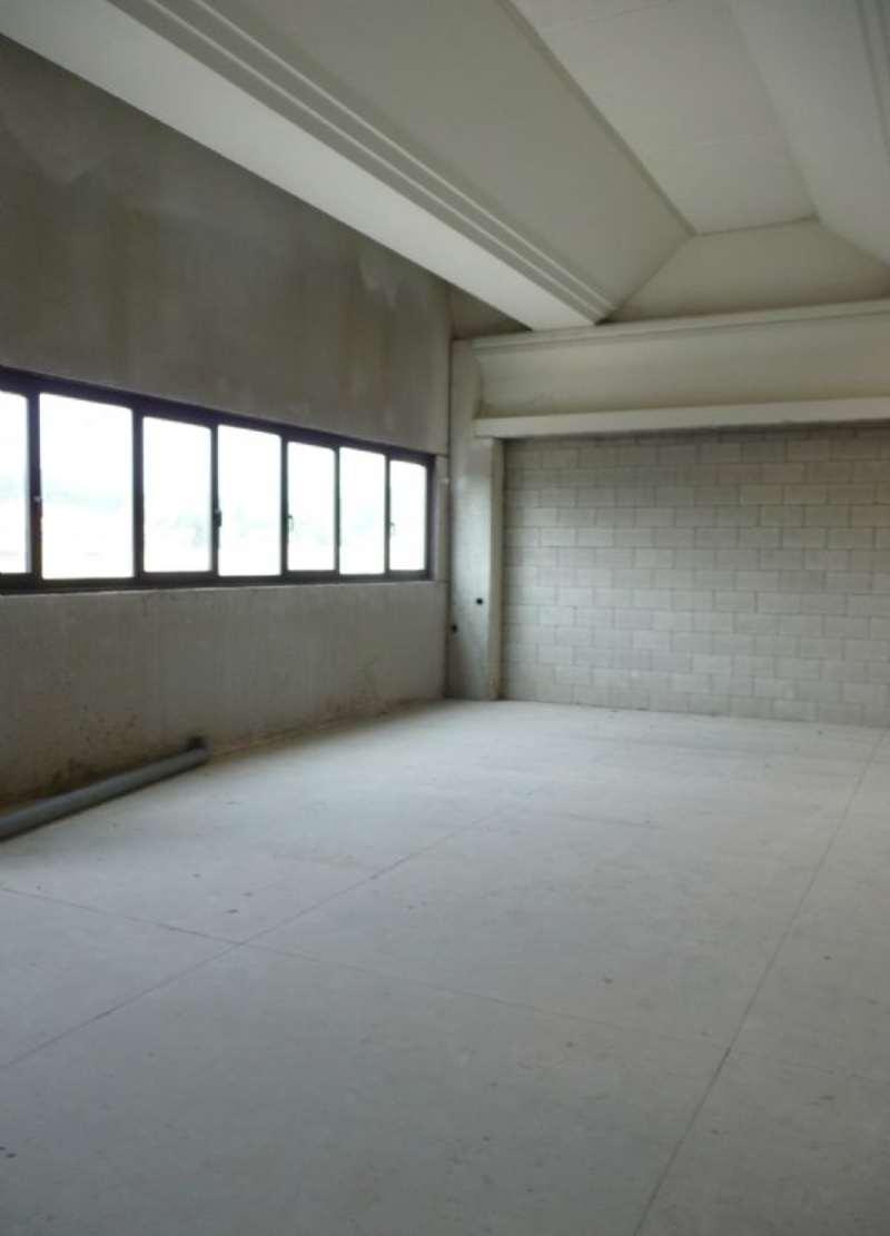 Laboratorio in vendita a Lurate Caccivio, 1 locali, prezzo € 180.000   CambioCasa.it