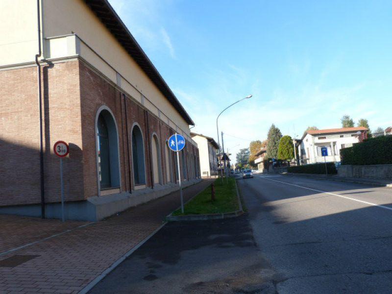 Negozio / Locale in vendita a Fagnano Olona, 2 locali, prezzo € 172.000 | CambioCasa.it