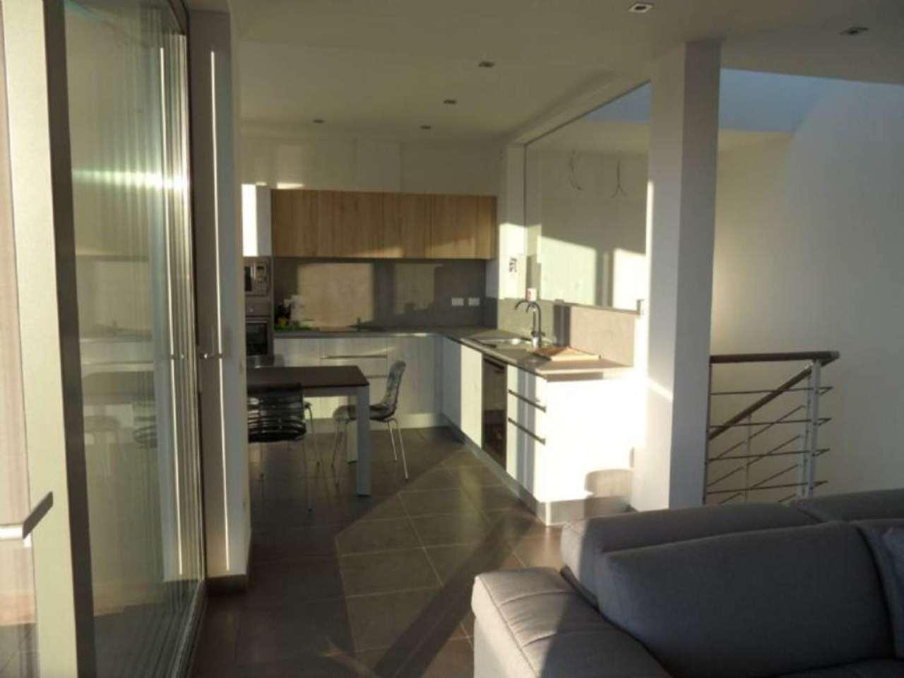 Appartamento in vendita a Olgiate Comasco, 4 locali, prezzo € 340.000 | Cambio Casa.it