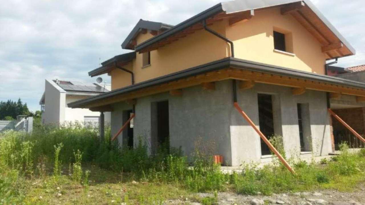 Villa in vendita a Lurate Caccivio, 5 locali, prezzo € 490.000 | Cambio Casa.it
