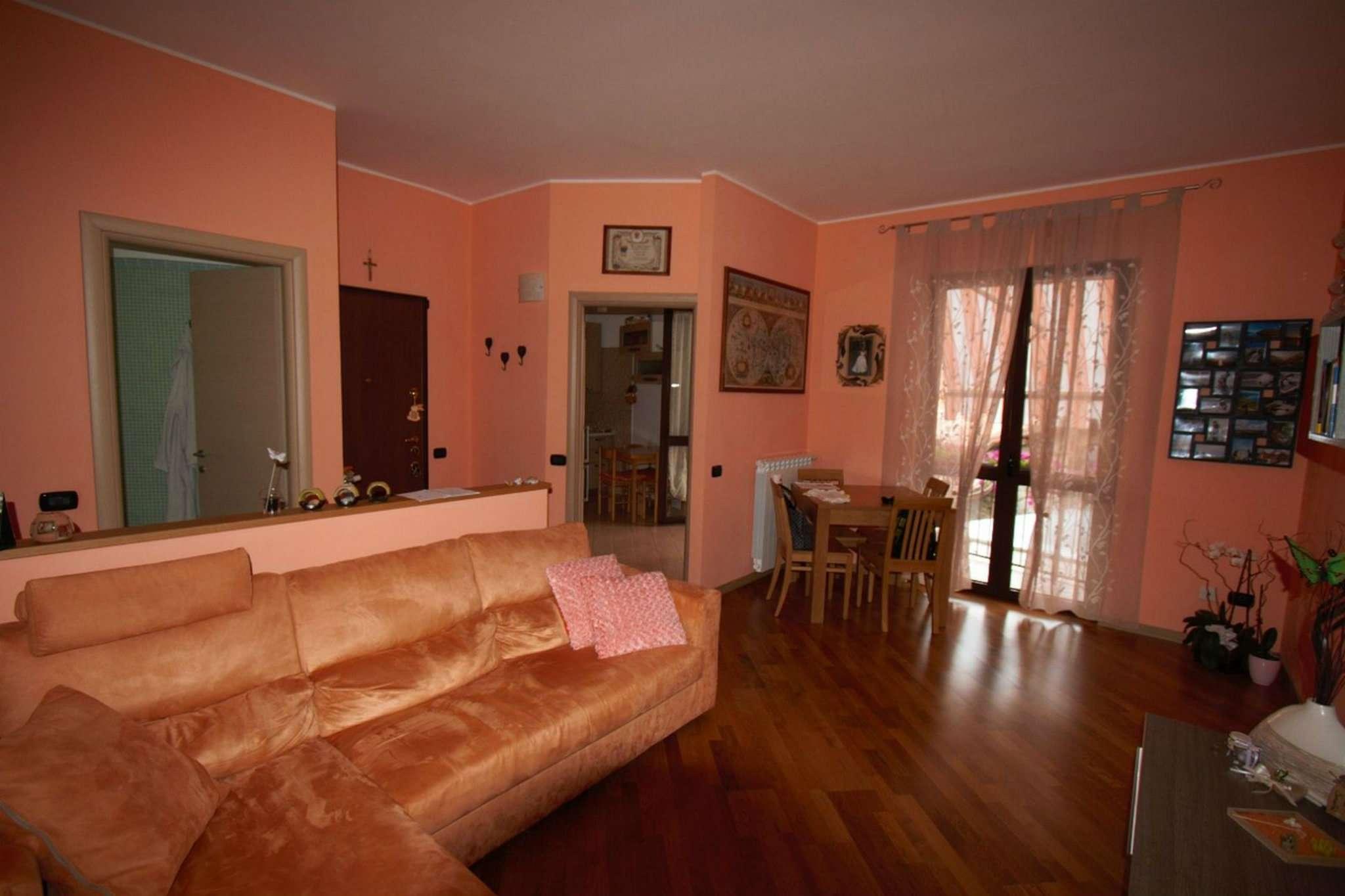 Appartamento in vendita a Lurate Caccivio, 4 locali, prezzo € 162.000 | Cambio Casa.it