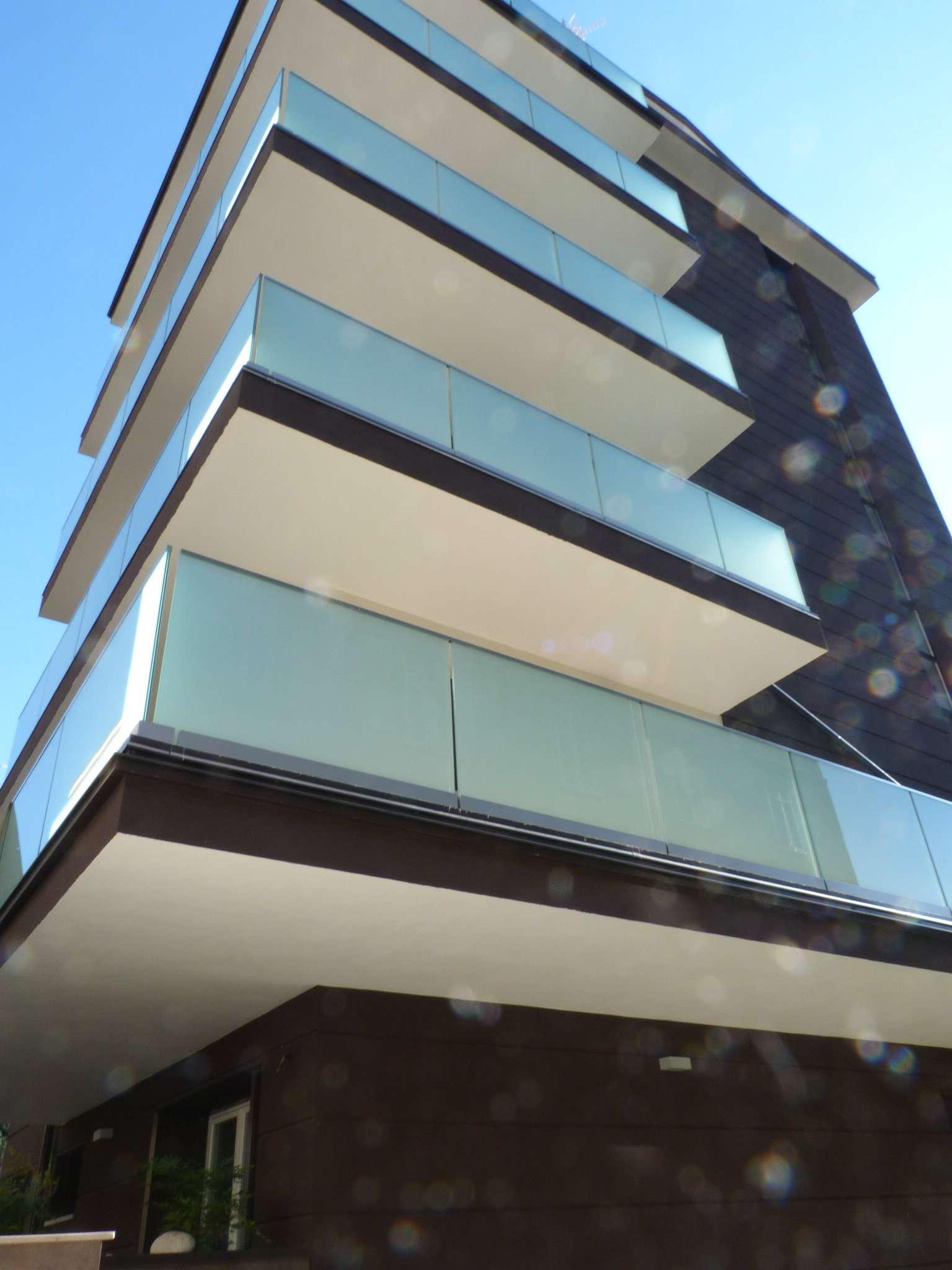 Appartamento in vendita a Como, 3 locali, zona Zona: 1 . Centro - Centro Storico, prezzo € 351.000 | CambioCasa.it