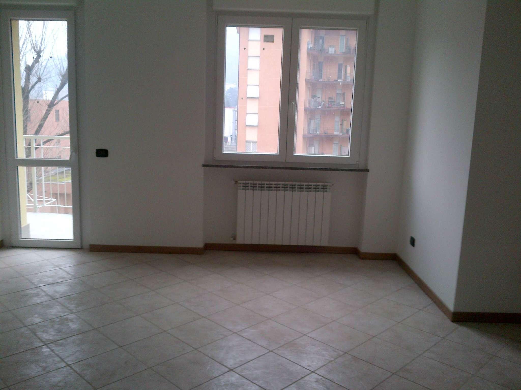 Appartamento in vendita a Cernobbio, 4 locali, prezzo € 310.000 | Cambio Casa.it