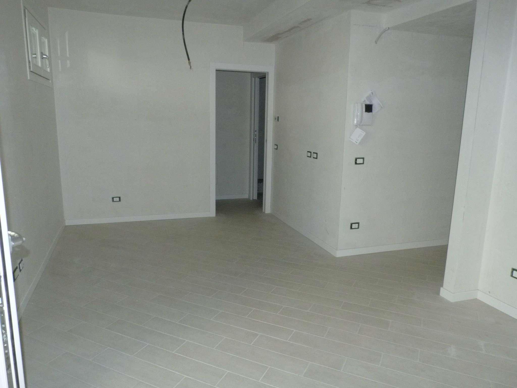 Appartamento in vendita a Como, 2 locali, zona Zona: 5 . Borghi, prezzo € 190.000 | CambioCasa.it