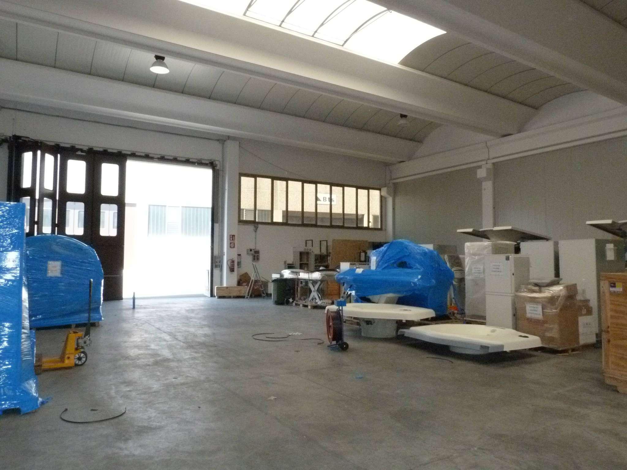 Capannone in vendita a Lurate Caccivio, 3 locali, prezzo € 6.300 | CambioCasa.it
