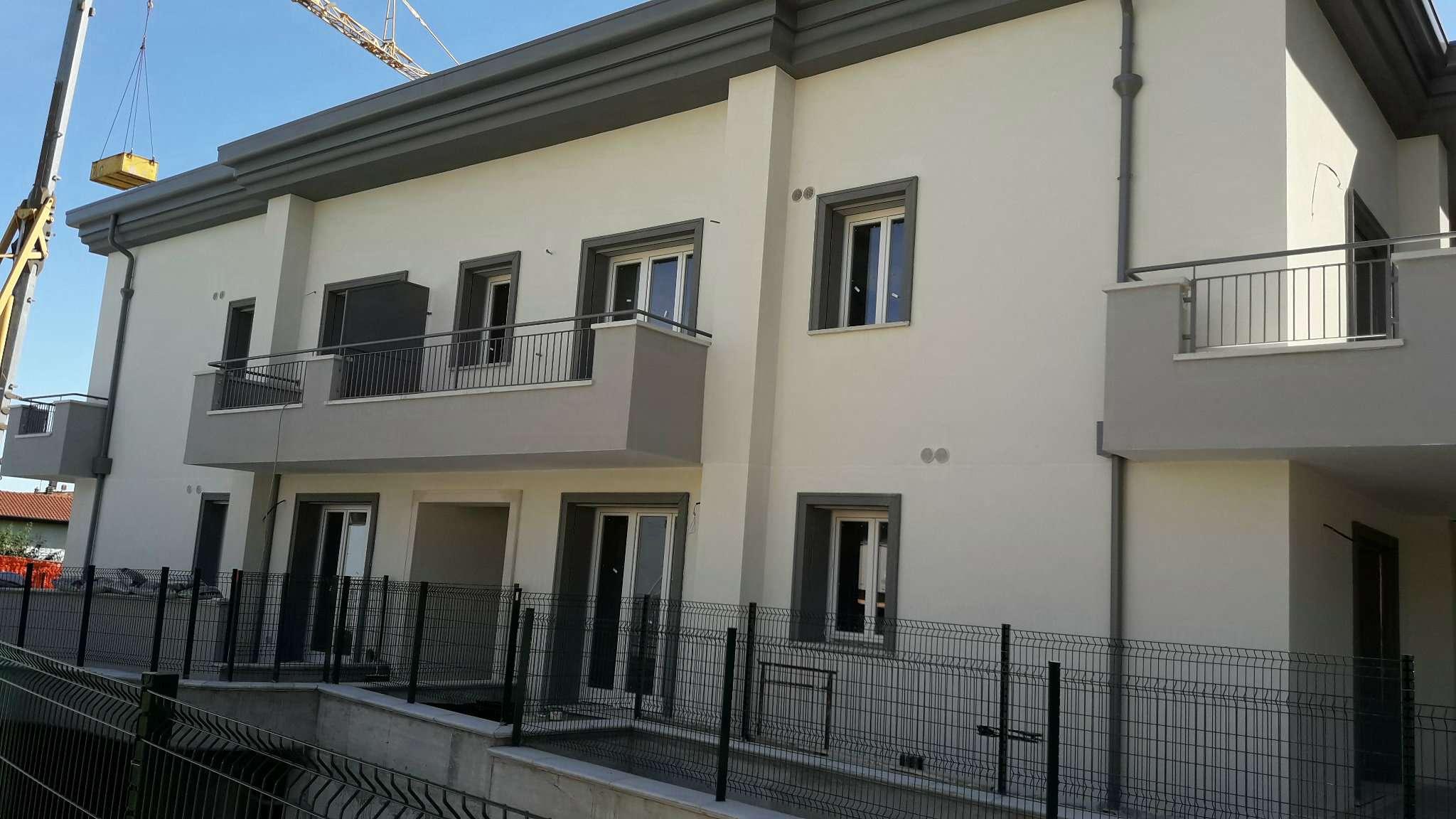 Appartamento in vendita a Lurate Caccivio, 3 locali, prezzo € 155.000 | CambioCasa.it