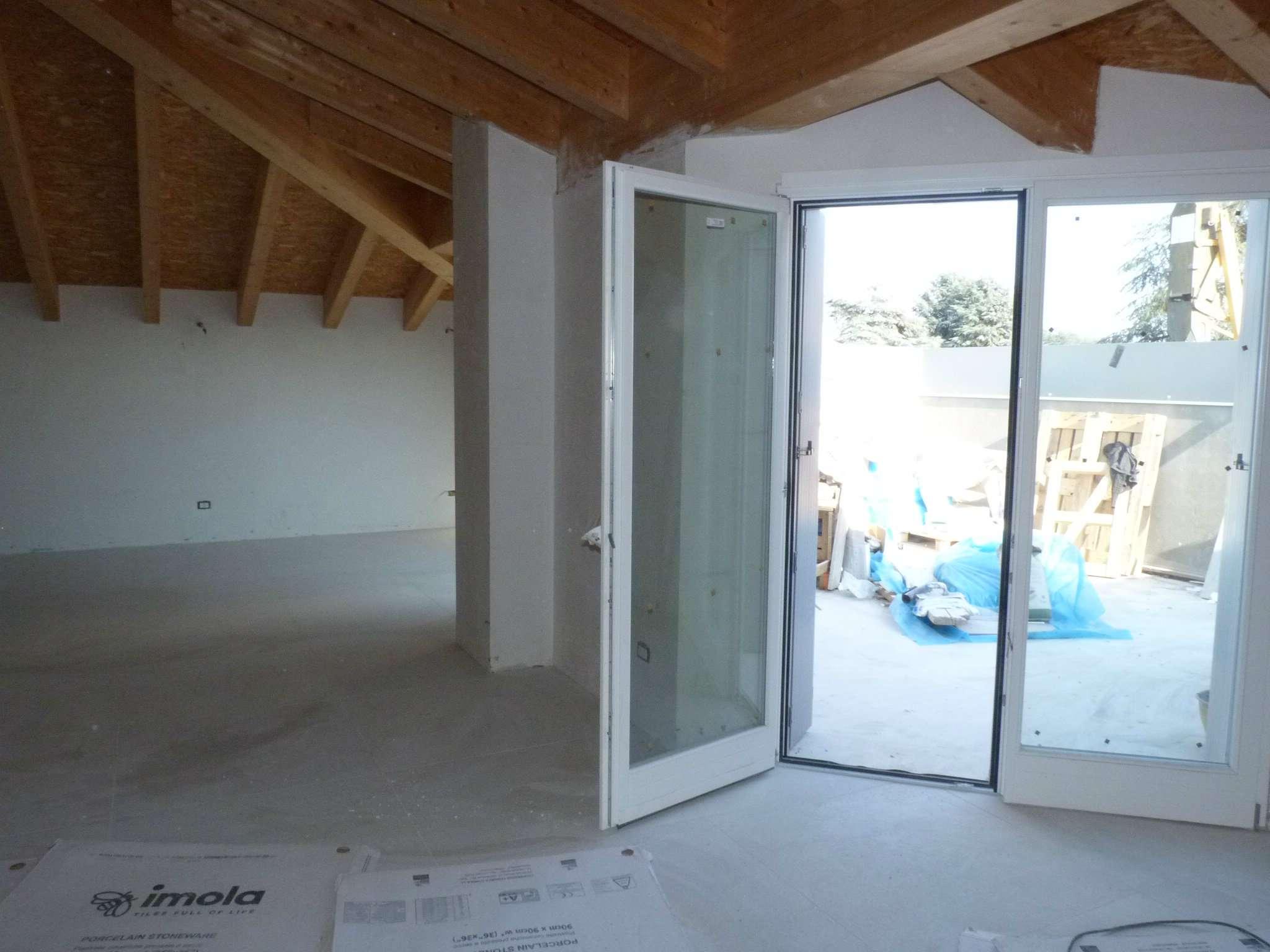 Attico / Mansarda in vendita a Lurate Caccivio, 5 locali, prezzo € 320.000 | Cambio Casa.it