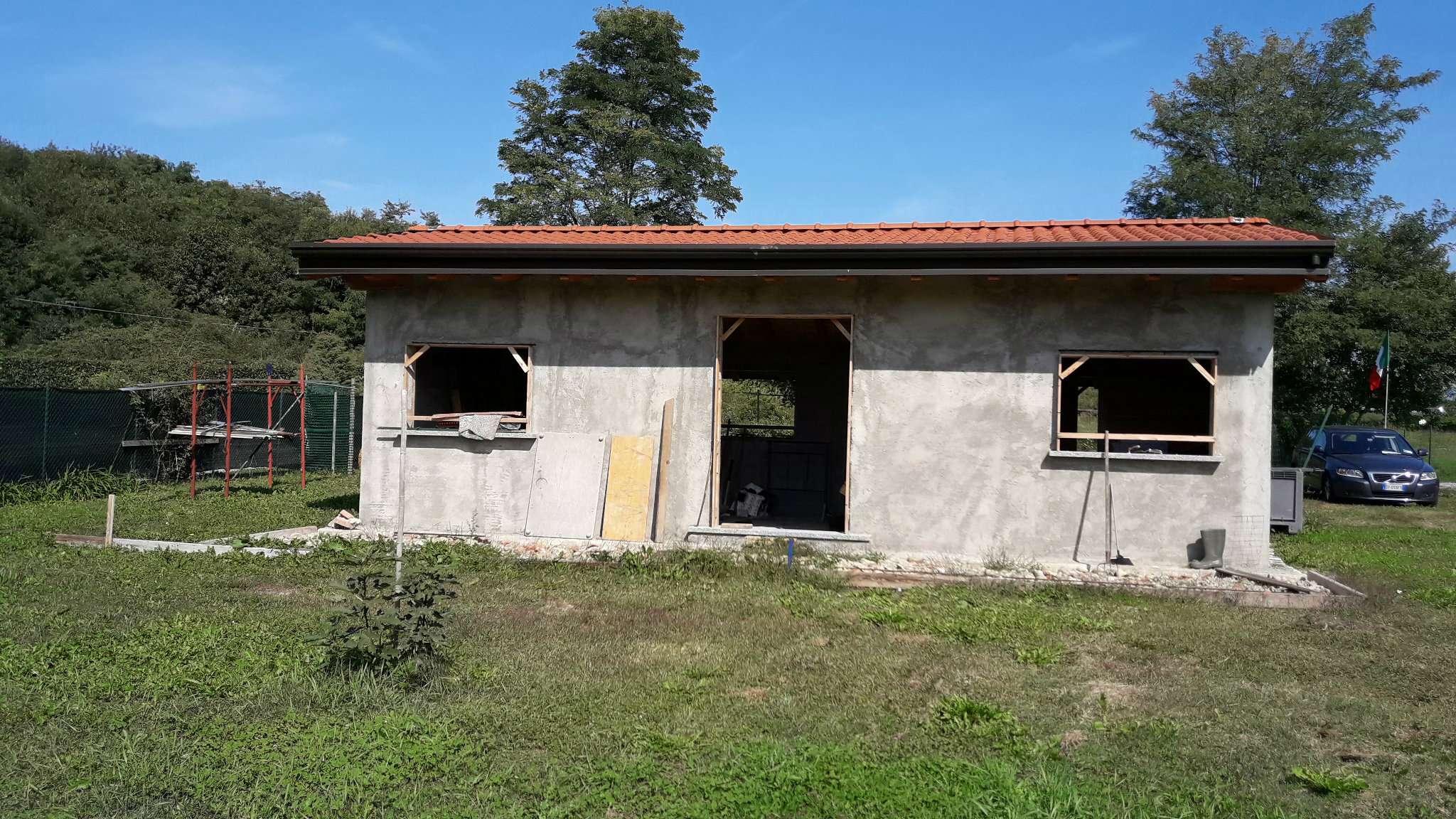 Soluzione Indipendente in vendita a Lurate Caccivio, 2 locali, prezzo € 145.000 | CambioCasa.it