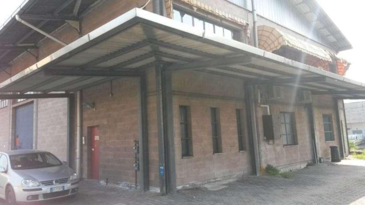 Capannone in vendita a Como, 3 locali, zona Zona: 7 . Breccia - Camerlata - Rebbio, prezzo € 1.350 | Cambio Casa.it