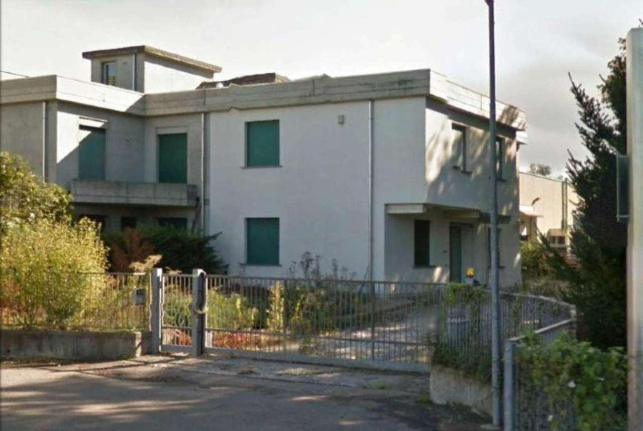 Capannone in affitto a Colverde, 6 locali, prezzo € 1.000 | CambioCasa.it