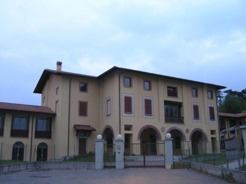Immobile Commerciale in vendita a Villa Guardia, 10 locali, prezzo € 2.600.000 | Cambio Casa.it