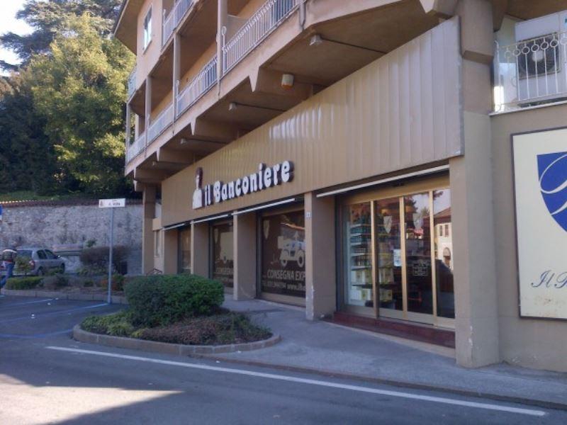 Negozio / Locale in vendita a Olgiate Comasco, 5 locali, prezzo € 340.000 | Cambiocasa.it