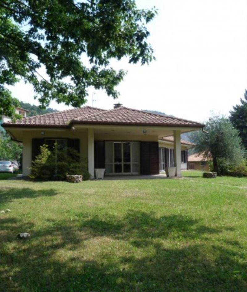 Villa in vendita a Cavallasca, 6 locali, prezzo € 950.000 | Cambio Casa.it