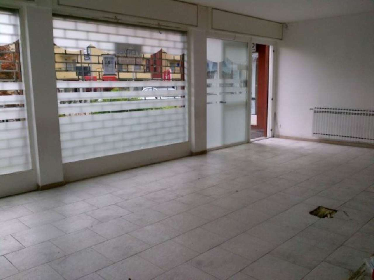Negozio / Locale in vendita a Villa Guardia, 3 locali, prezzo € 170.000 | Cambio Casa.it