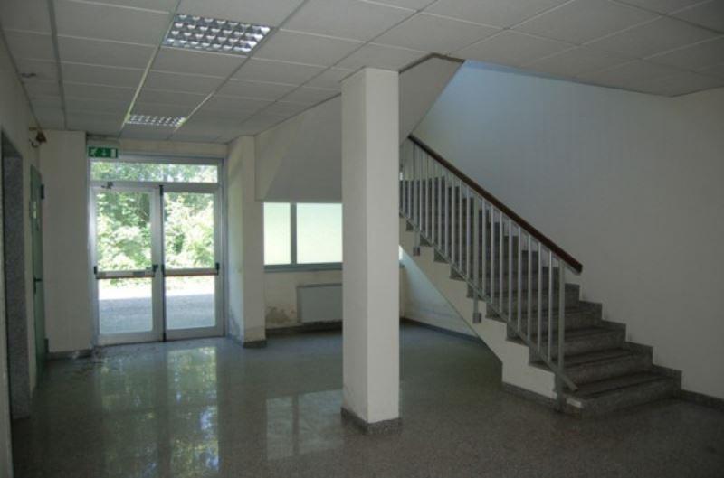 Capannone como affitto zona 7 breccia - Custode con alloggio ...