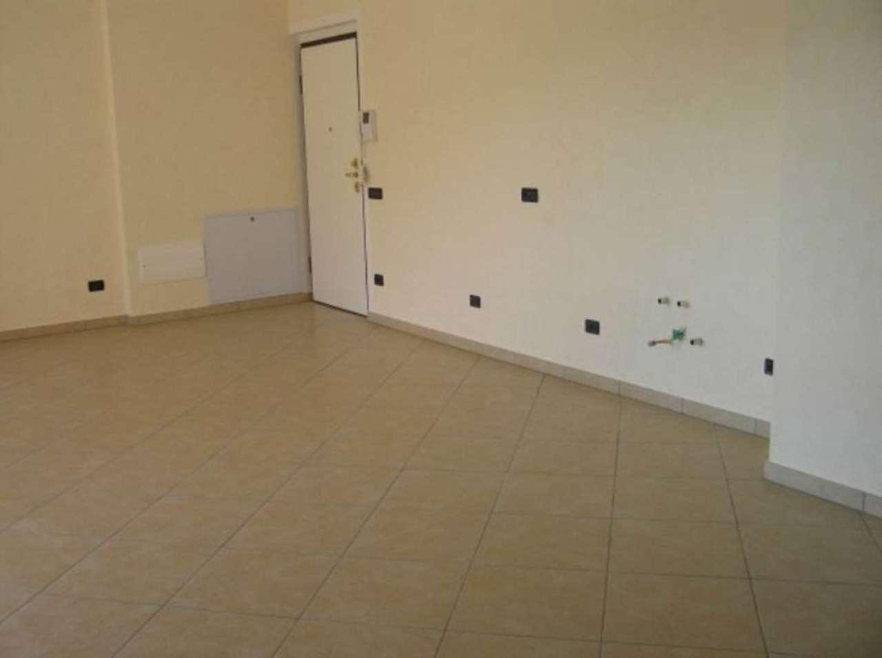 Appartamento in vendita a Como, 4 locali, zona Zona: 7 . Breccia - Camerlata - Rebbio, prezzo € 230.000 | CambioCasa.it