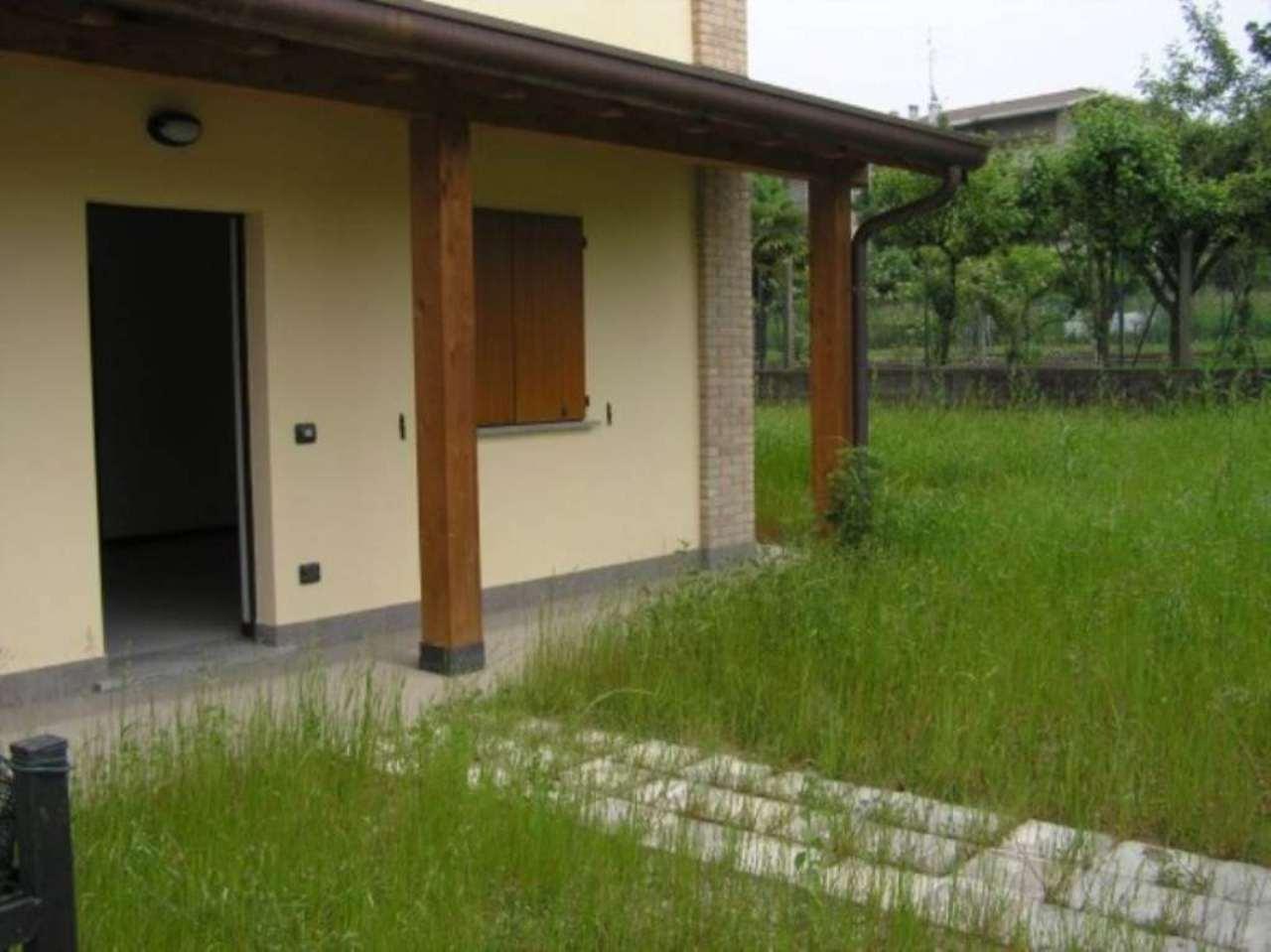 Villa in vendita a Villa Guardia, 5 locali, prezzo € 280.000 | Cambio Casa.it