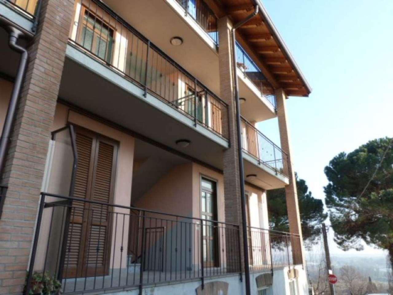 Appartamento in vendita a Villa Guardia, 4 locali, prezzo € 180.000 | Cambio Casa.it