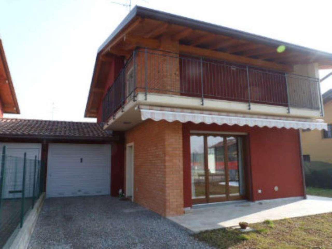 Villa in vendita a Limido Comasco, 5 locali, prezzo € 299.000 | Cambio Casa.it