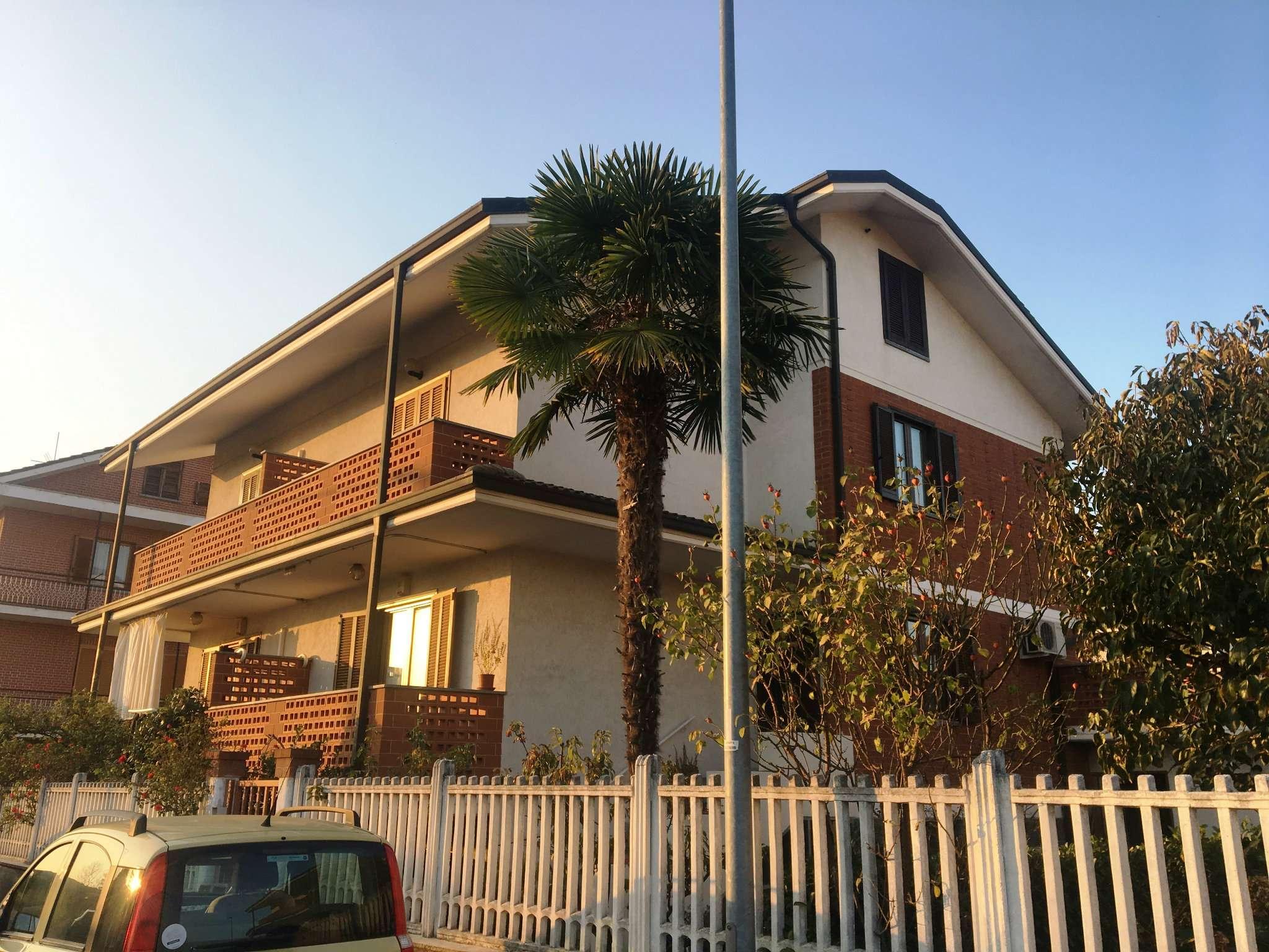 Foto 1 di Villa Bifamiliare via PADOVA, Volpiano