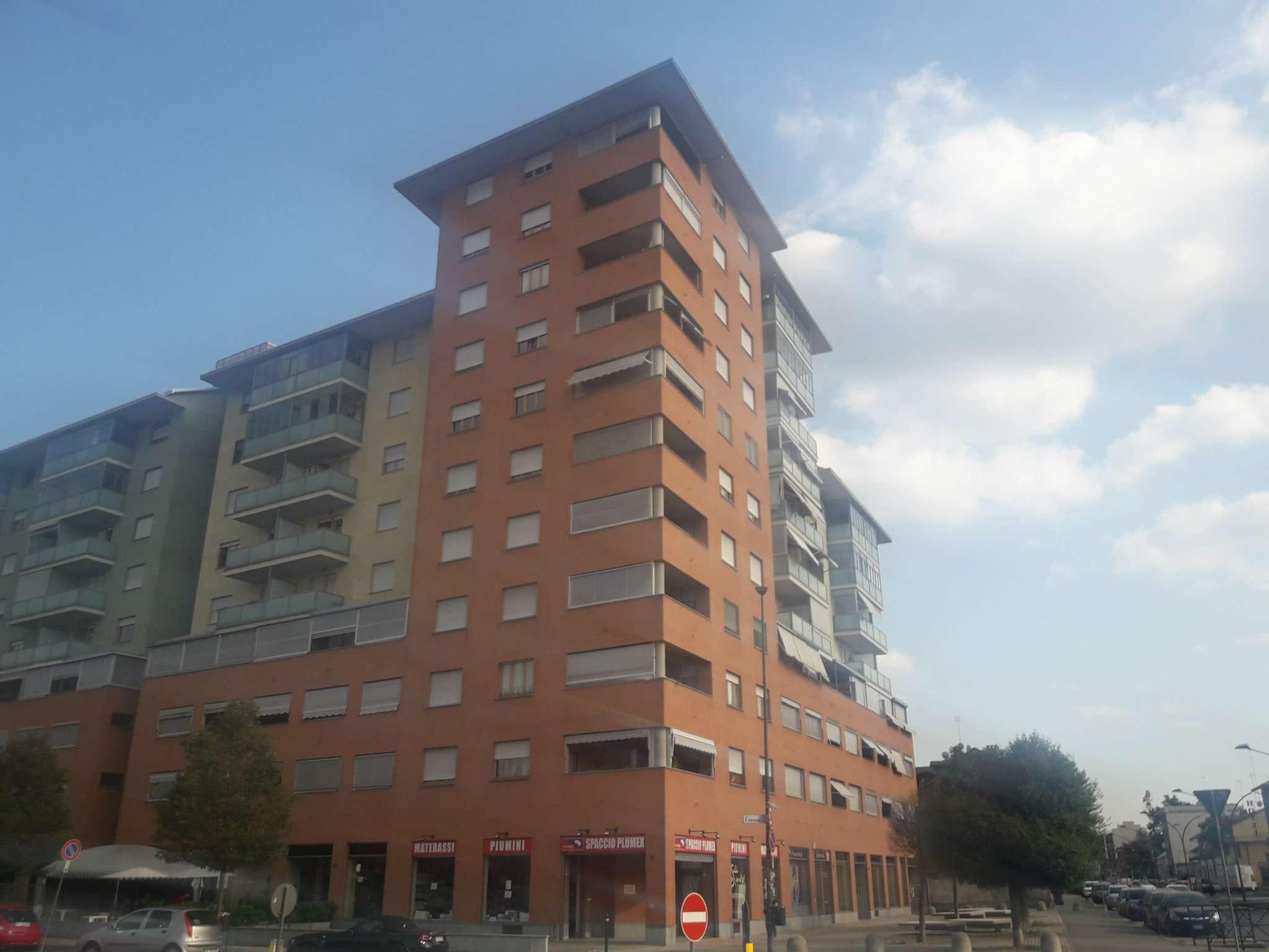 Foto 1 di Bilocale Via Paolo Veronese  89/B, Torino (zona Madonna di Campagna, Borgo Vittoria, Barriera di Lanzo)