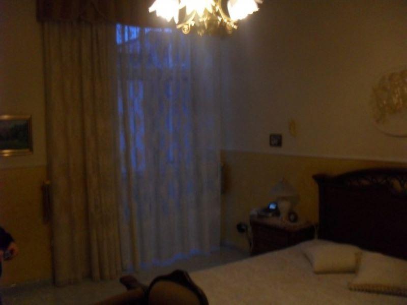 Appartamento in vendita a Torre Annunziata, 4 locali, prezzo € 180.000 | Cambiocasa.it