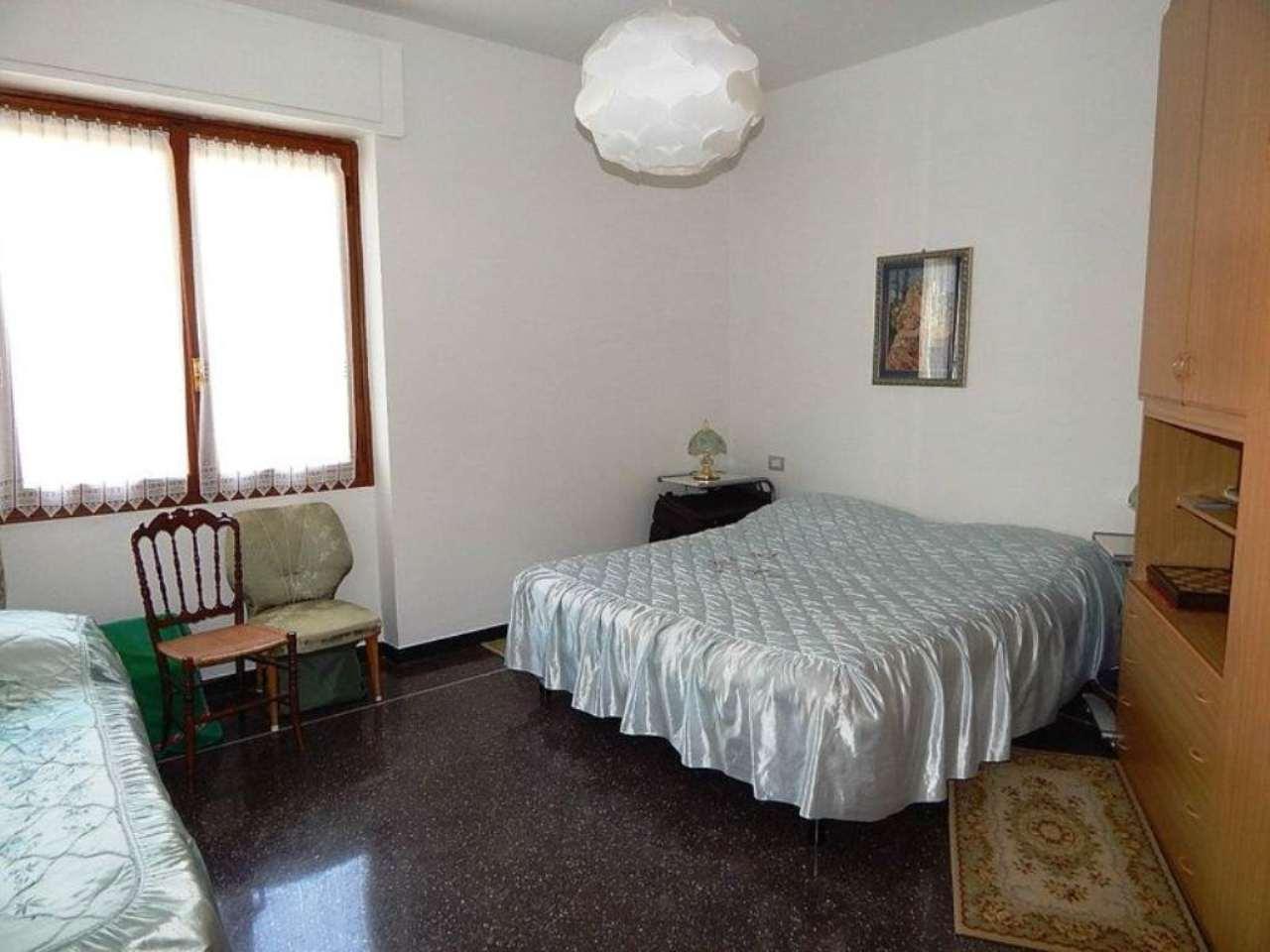 Bilocale Genova Via Del Commercio 6